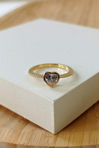 anel-solitario-coracao-dourado
